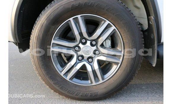 Acheter Importé Voiture Toyota Fortuner Noir à Import - Dubai, Estuaire