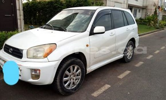 Acheter Occasion Voiture Toyota RAV4 Blanc à Libreville, Estuaire