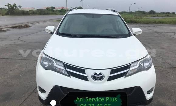 Medium with watermark toyota rav4 estuaire libreville 4412