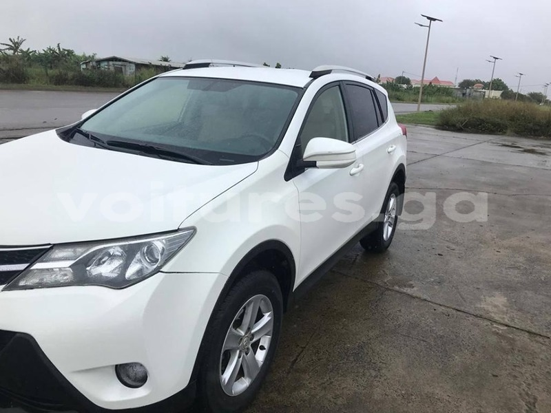 Big with watermark toyota rav4 estuaire libreville 4412