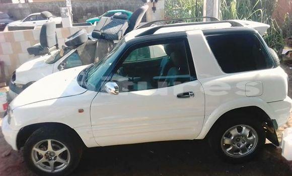 Acheter Neuf Voiture Toyota RAV4 Blanc à Libreville au Estuaire