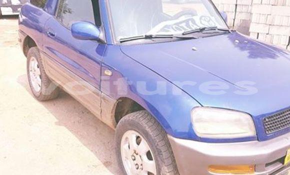 Acheter Occasion Voiture Toyota RAV4 Bleu à Libreville au Estuaire