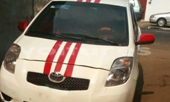 Acheter Occasion Voiture Toyota Yaris Blanc à Libreville, Estuaire