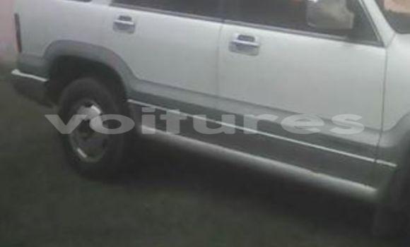 Acheter Occasions Voiture Isuzu Trooper Blanc à Libreville au Estuaire