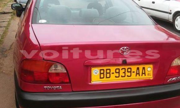 Acheter Occasion Voiture Toyota Avensis Rouge à Libreville au Estuaire