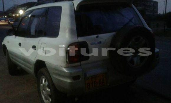 Acheter Occasions Voiture Toyota RAV4 Blanc à Libreville, Estuaire
