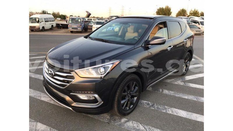 Big with watermark hyundai santa fe estuaire import dubai 4716