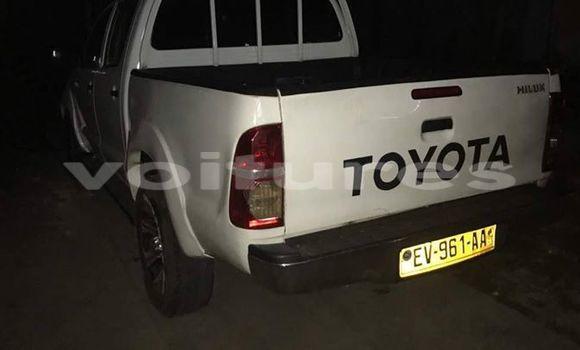 Acheter Occasions Voiture Toyota Hilux Blanc à Libreville au Estuaire