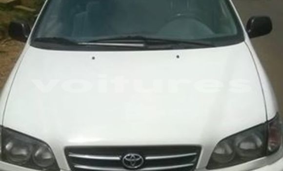 Acheter Occasion Voiture Toyota Picnic Blanc à Libreville, Estuaire