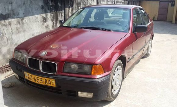 Acheter Occasion Voiture BMW 3-Series Rouge à Libreville au Estuaire