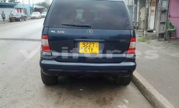 Acheter Occasion Voiture Mercedes‒Benz ML-Class Bleu à Libreville au Estuaire