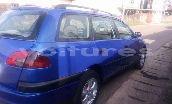Acheter Occasion Voiture Toyota Avensis Bleu à Libreville au Estuaire