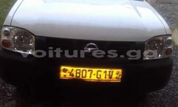 Acheter Occasion Voiture Nissan Pickup Blanc à Libreville au Estuaire