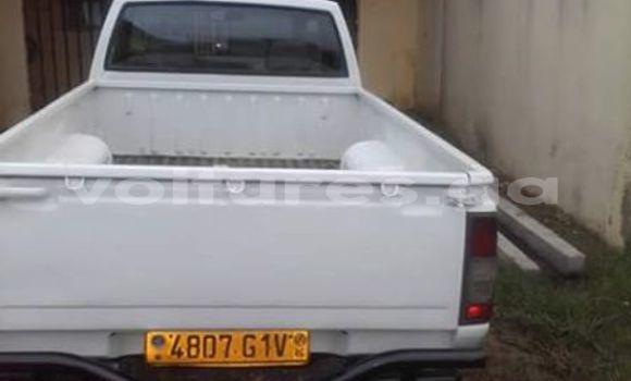 Acheter Occasion Voiture Nissan Pickup Blanc à Libreville, Estuaire