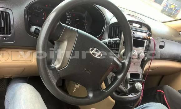 Acheter Occasion Voiture Hyundai H1 Blanc à Libreville au Estuaire