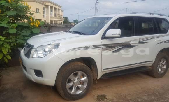 Acheter Occasion Voiture Toyota Prado Blanc à Libreville au Estuaire