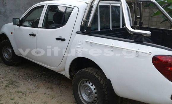 Acheter Occasion Voiture Mitsubishi L200 Blanc à Libreville, Estuaire