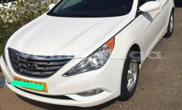 Acheter Occasion Voiture Hyundai Sonata Blanc à Libreville au Estuaire