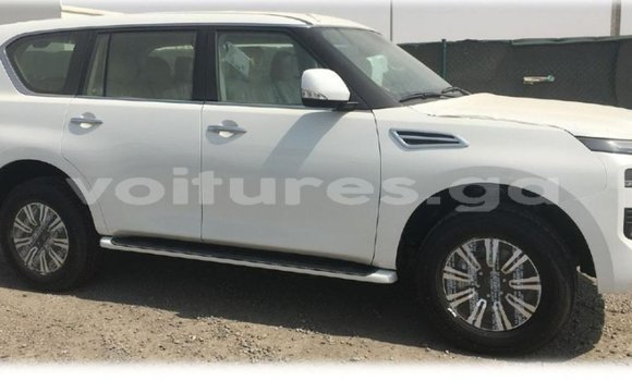 Medium with watermark nissan patrol estuaire import dubai 5763