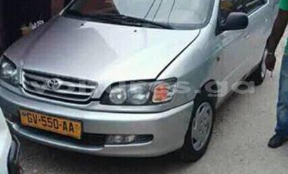 Acheter Occasions Voiture Toyota Picnic Gris à Libreville au Estuaire