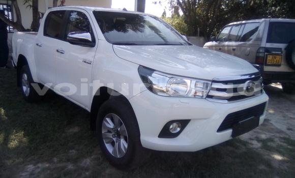 Acheter Neuf Voiture Toyota Hilux Blanc à Libreville au Estuaire