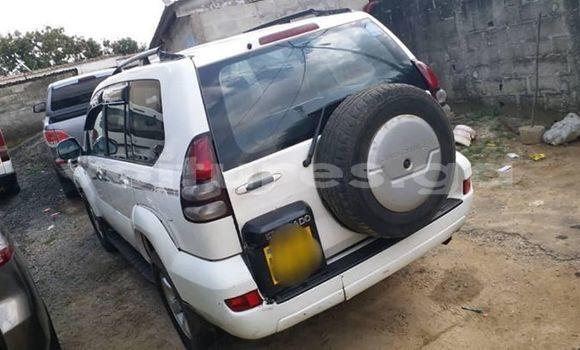 Acheter Occasion Voiture Toyota Prado Blanc à Libreville, Estuaire
