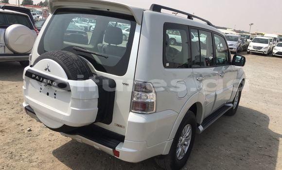 Acheter Occasion Voiture Mitsubishi Pajero Blanc à Libreville, Estuaire