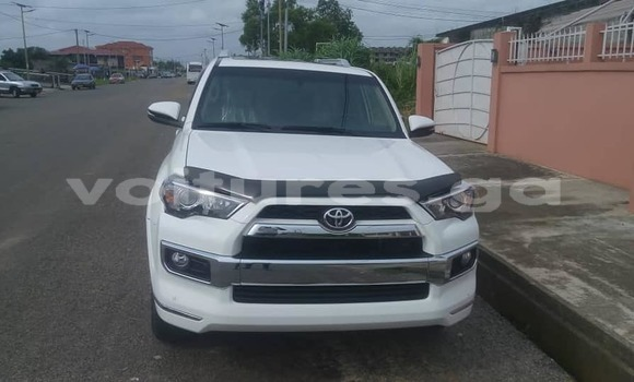 Acheter Occasion Voiture Toyota 4Runner Blanc à Lalara, Woleu-Ntem