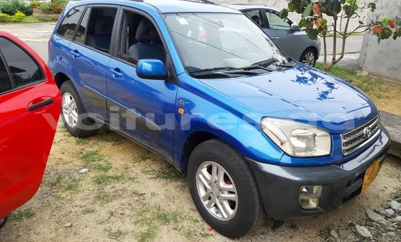 Acheter Occasion Voiture Toyota RAV4 Bleu à Lalara, Woleu-Ntem
