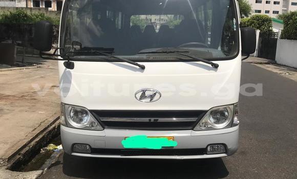 Acheter Occasion Utilitaire Hyundai H200 Blanc à Libreville, Estuaire