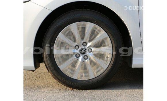 Acheter Importé Voiture Toyota Camry Blanc à Import - Dubai, Estuaire