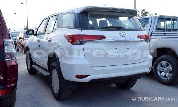 Acheter Importé Voiture Toyota Fortuner Blanc à Import - Dubai, Estuaire
