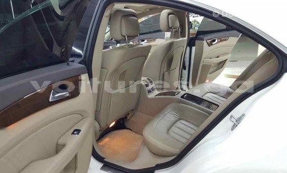Acheter Importé Voiture Mercedes-Benz 190 (W201) Blanc à Import - Dubai, Estuaire