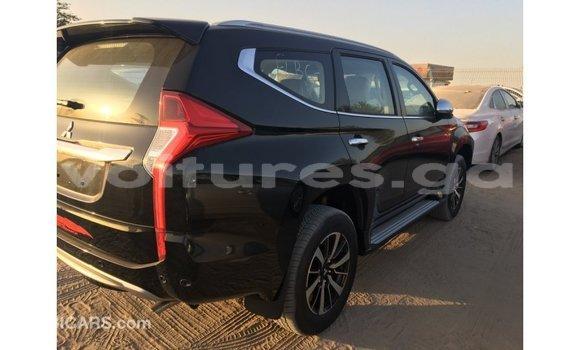 Acheter Importé Voiture Mitsubishi Montero Noir à Import - Dubai, Estuaire