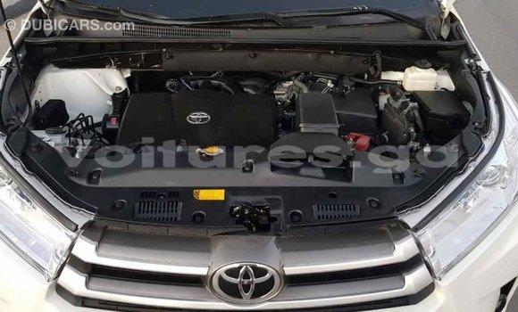 Acheter Importé Voiture Toyota Highlander Blanc à Import - Dubai, Estuaire