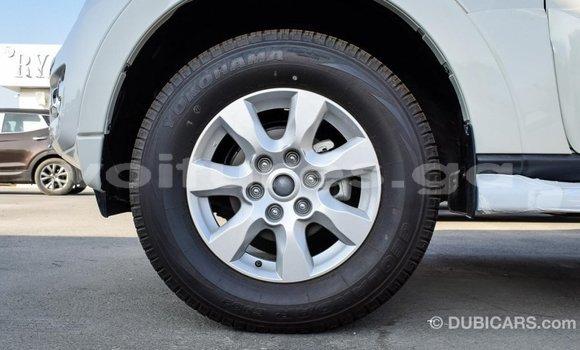 Acheter Importé Voiture Mitsubishi Pajero Blanc à Import - Dubai, Estuaire