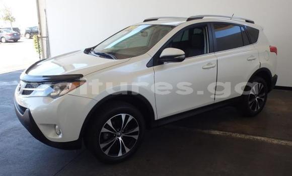 Acheter Occasion Voiture Toyota RAV4 Vert à Lastoursville, Ogooue-Lolo